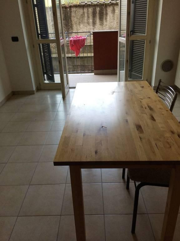 Appartamento in buone condizioni parzialmente arredato in affitto Rif. 8240559