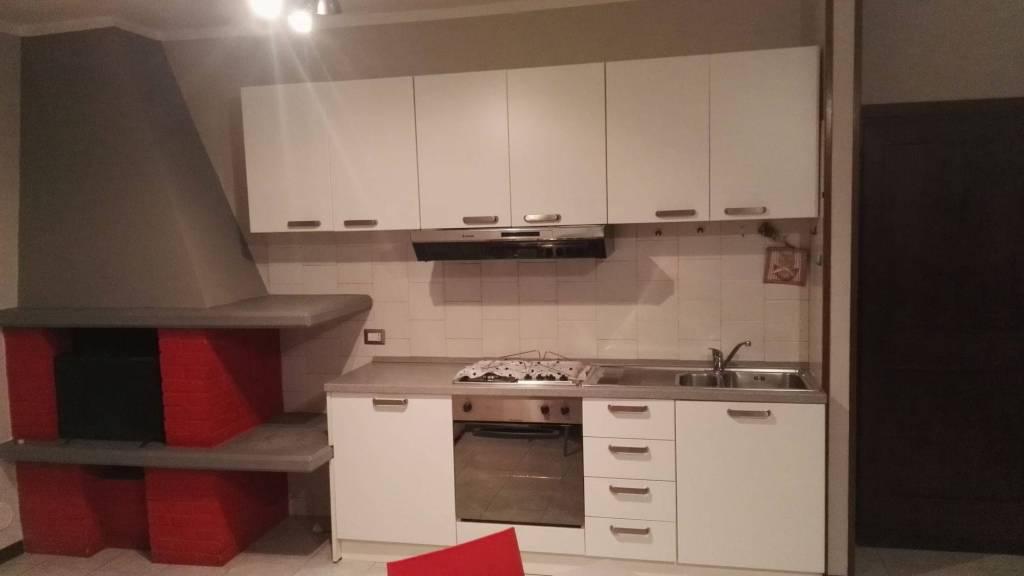 Appartamento in buone condizioni arredato in affitto Rif. 8270753