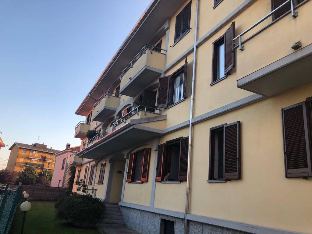 Appartamento in buone condizioni in vendita Rif. 8267436