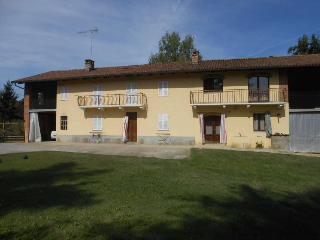 Rustico / Casale in vendita a Castelnuovo Don Bosco, 16 locali, prezzo € 218.000 | CambioCasa.it
