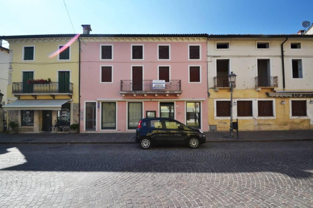 Appartamento da ristrutturare in vendita Rif. 8269584