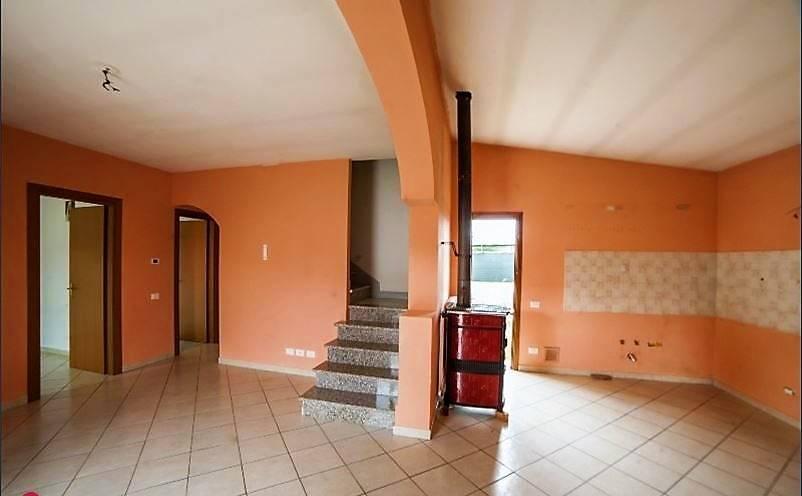 Casa Indipendente in buone condizioni in vendita Rif. 8267180