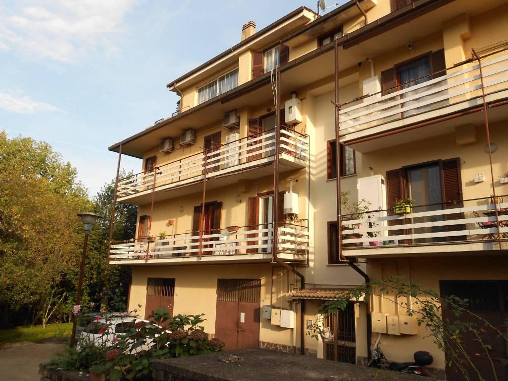 Appartamento in ottime condizioni in vendita Rif. 8273697