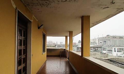 Appartamento in buone condizioni in vendita Rif. 8272246