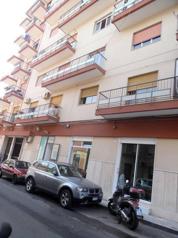 Bottega mq. 60-Catania,viale Vittorio Veneto Rif. 8267318