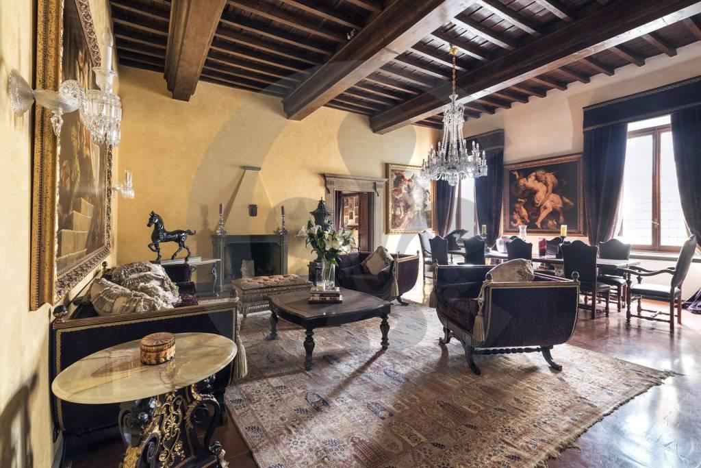Appartamento in Vendita a Firenze Centro: 5 locali, 280 mq