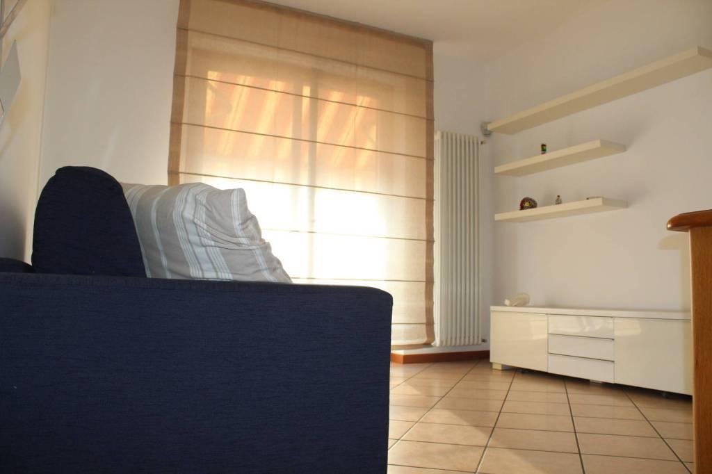 Appartamento in ottime condizioni arredato in affitto Rif. 7795982