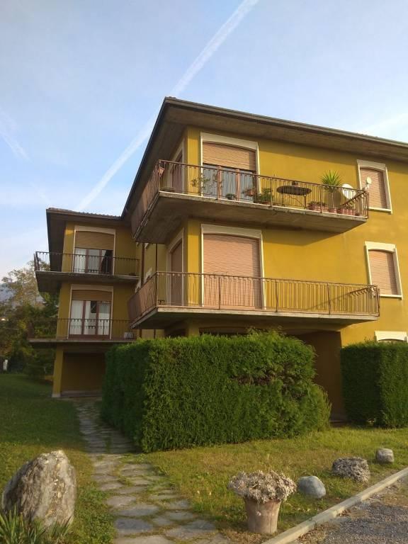 Appartamento in ottime condizioni in affitto Rif. 8272193