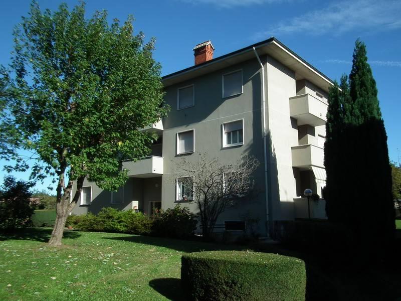 Appartamento in buone condizioni parzialmente arredato in vendita Rif. 8266929