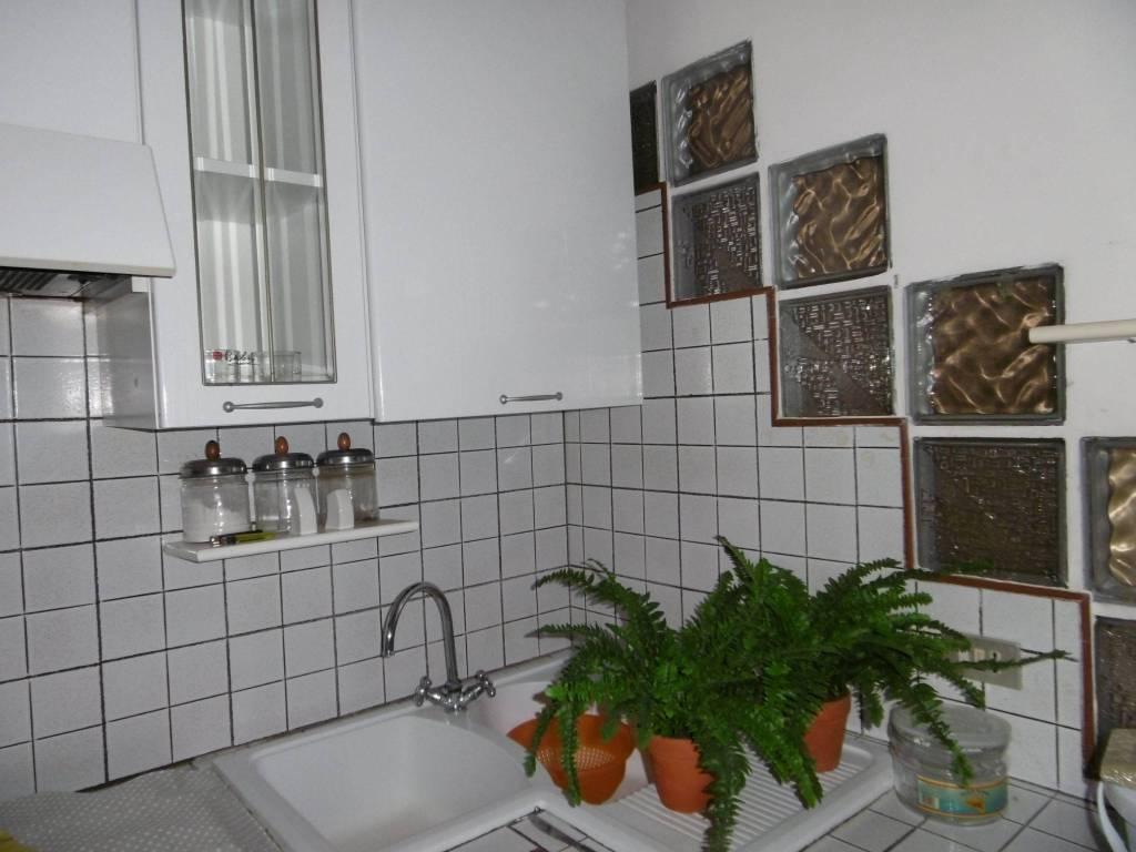 Appartamento in buone condizioni arredato in affitto Rif. 8272810