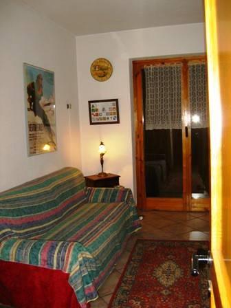 Appartamento in ottime condizioni arredato in affitto Rif. 8268418