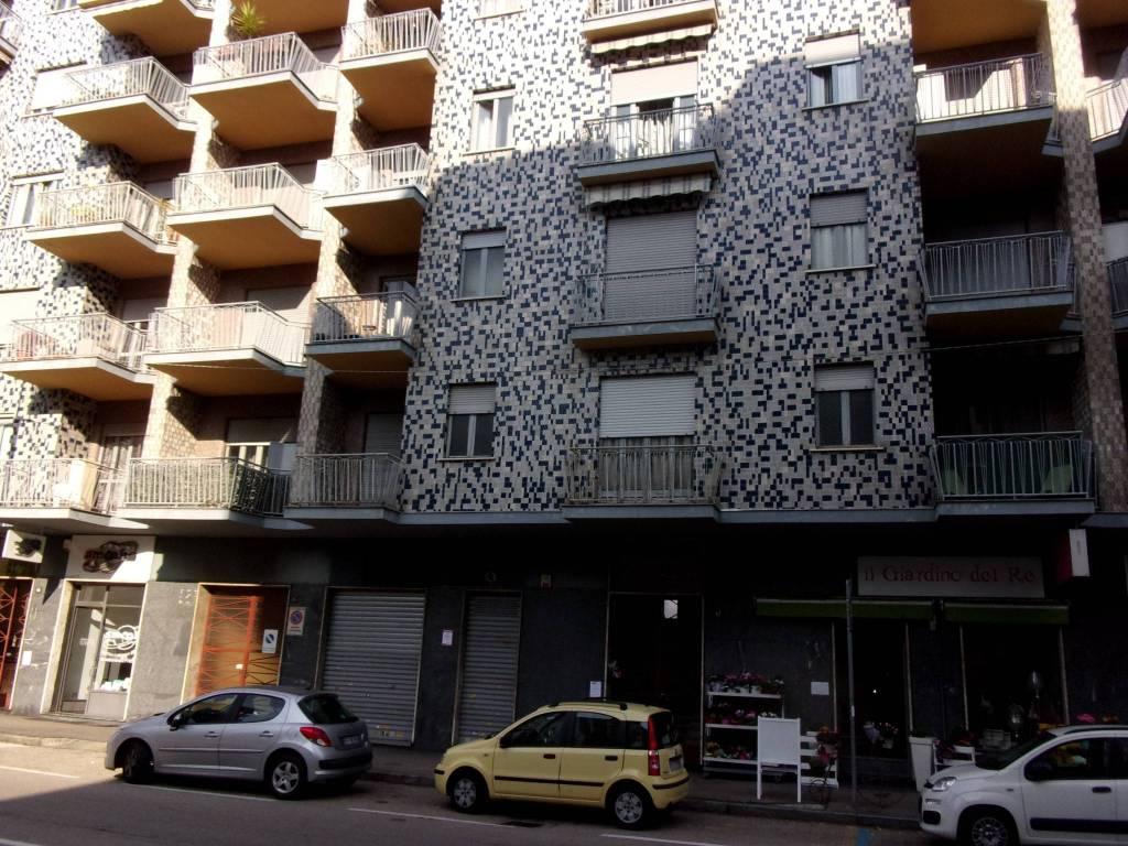 Negozio / Locale in affitto a Venaria Reale, 1 locali, prezzo € 1.000   CambioCasa.it