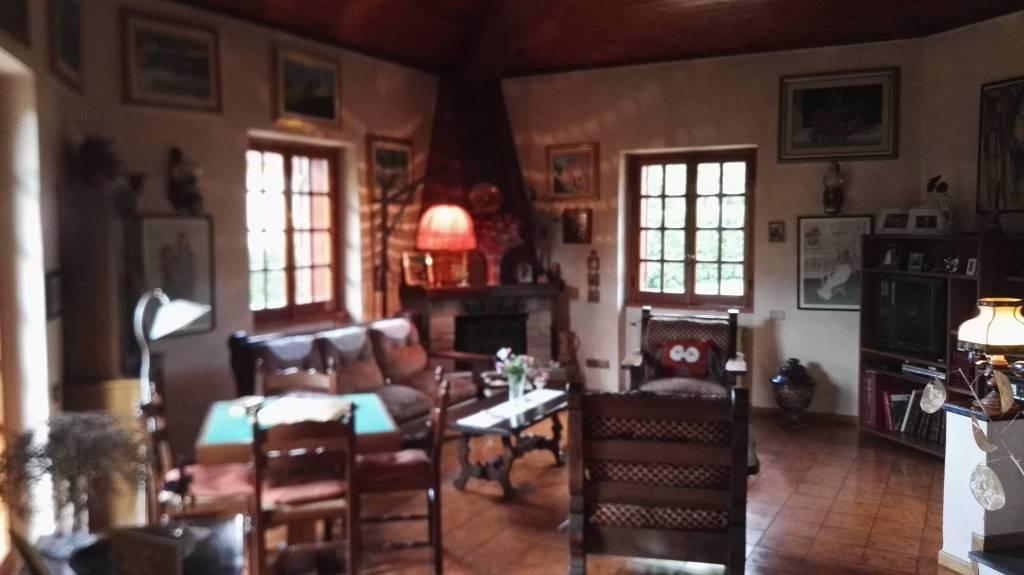 Villa in ottime condizioni in vendita Rif. 8272625