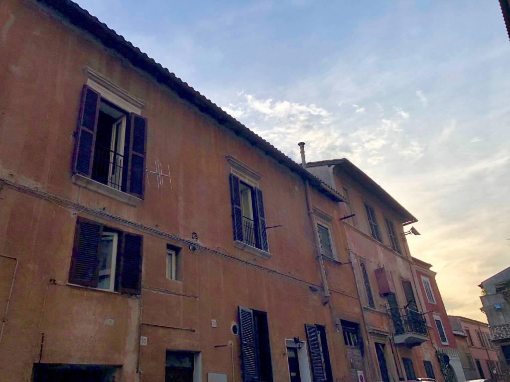 Bilocale semi arredato - Via Della Rocca n. 30