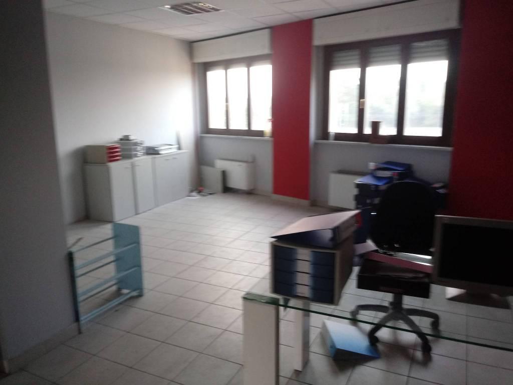Abitazione-ufficio 140 mq corso Vercelli zona autostrada