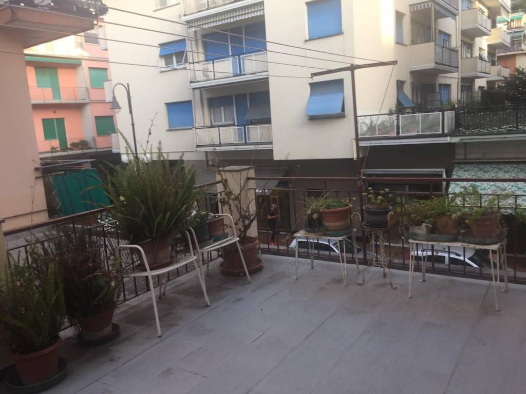Appartamento in buone condizioni in vendita Rif. 8270749
