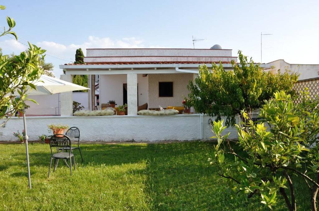 Villa in buone condizioni arredato in vendita Rif. 8316985