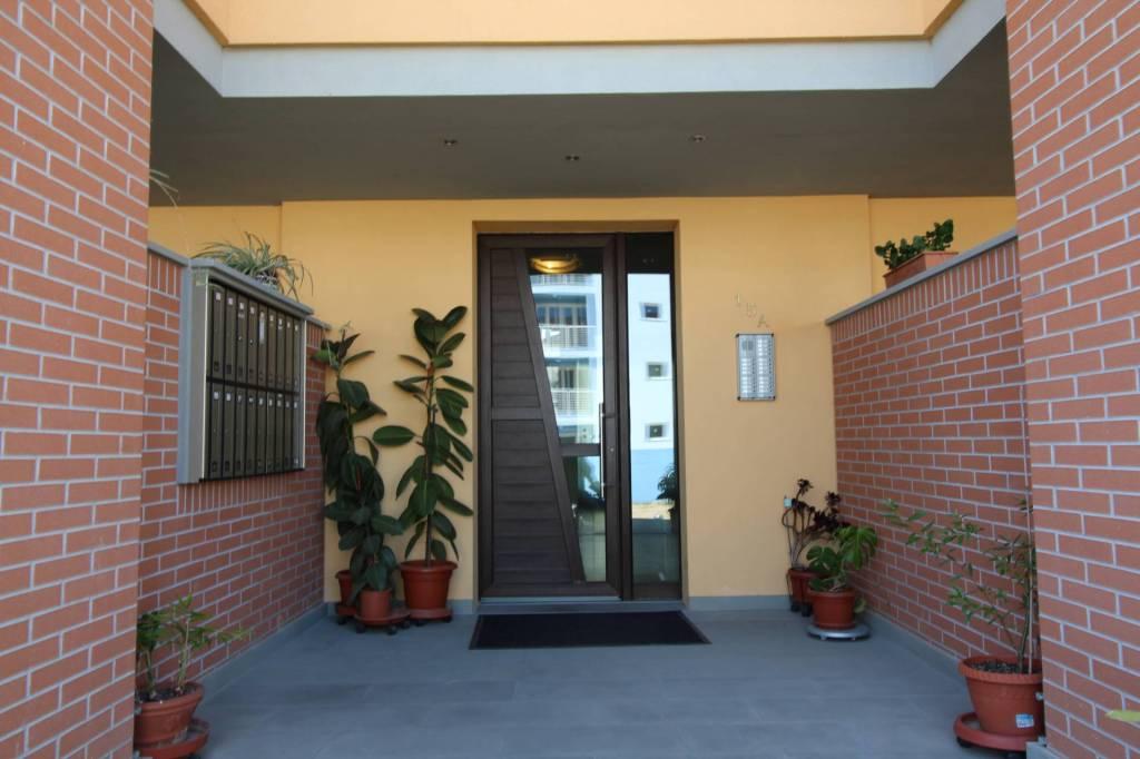 Appartamento in ottime condizioni parzialmente arredato in vendita Rif. 8520461