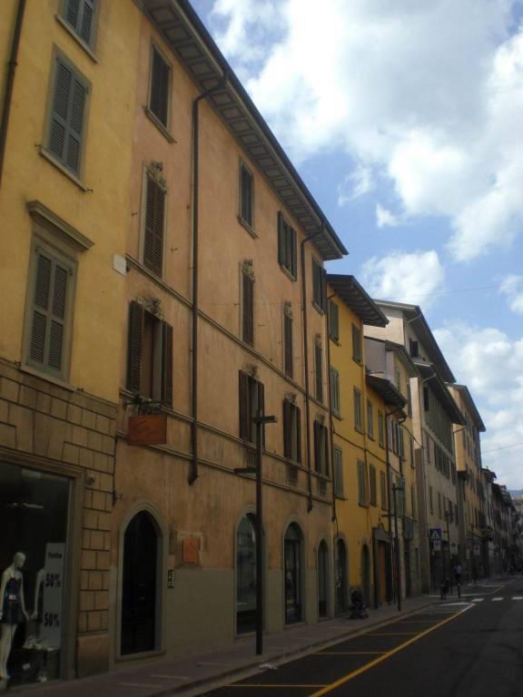 Bergamo adiacenze Piazza Pontida San Bernardino alta.