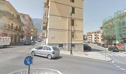 Appartamento in buone condizioni in affitto Rif. 8270836