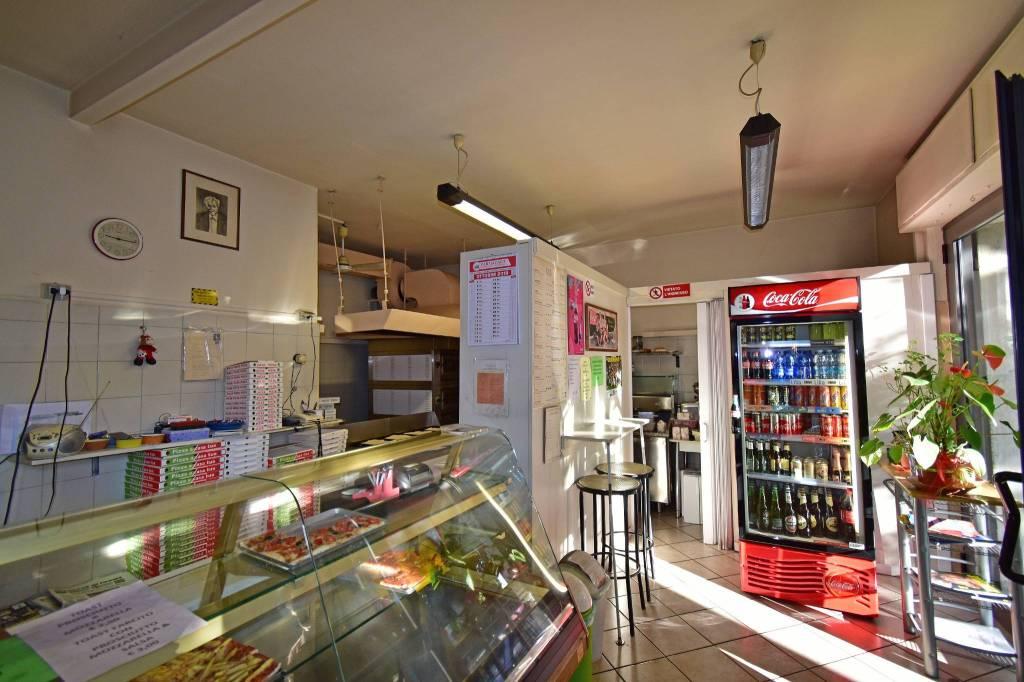 Pizzeria d'asporto con avviamento trentennale - Parma Rif. 8469047