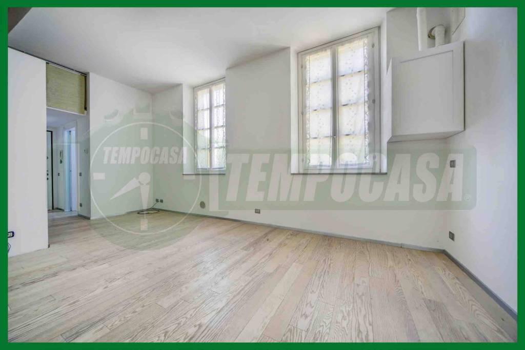 Appartamento in ottime condizioni in vendita Rif. 8434373