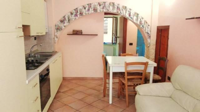 Appartamento in ottime condizioni arredato in vendita Rif. 8885699