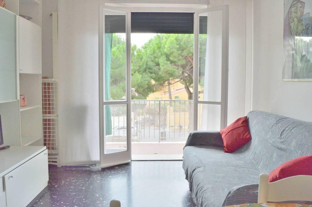 Appartamento in buone condizioni arredato in affitto Rif. 6947821