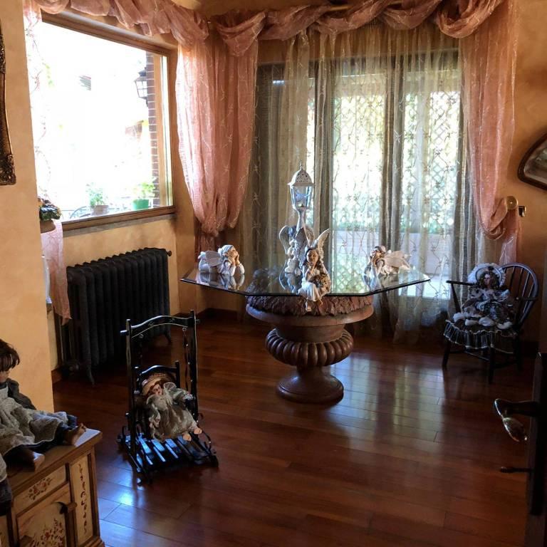 Appartamento in vendita a Monte Porzio Catone, 6 locali, prezzo € 495.000 | CambioCasa.it