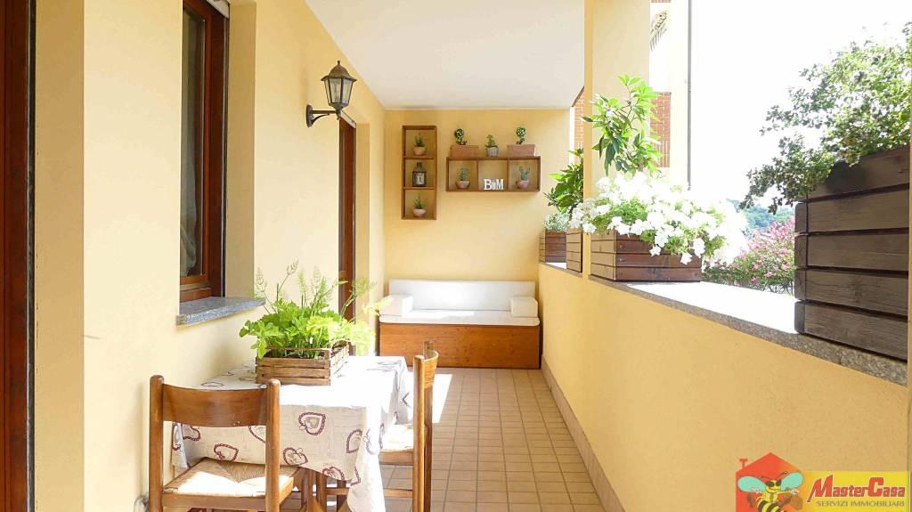 Appartamento in ottime condizioni parzialmente arredato in vendita Rif. 8284219