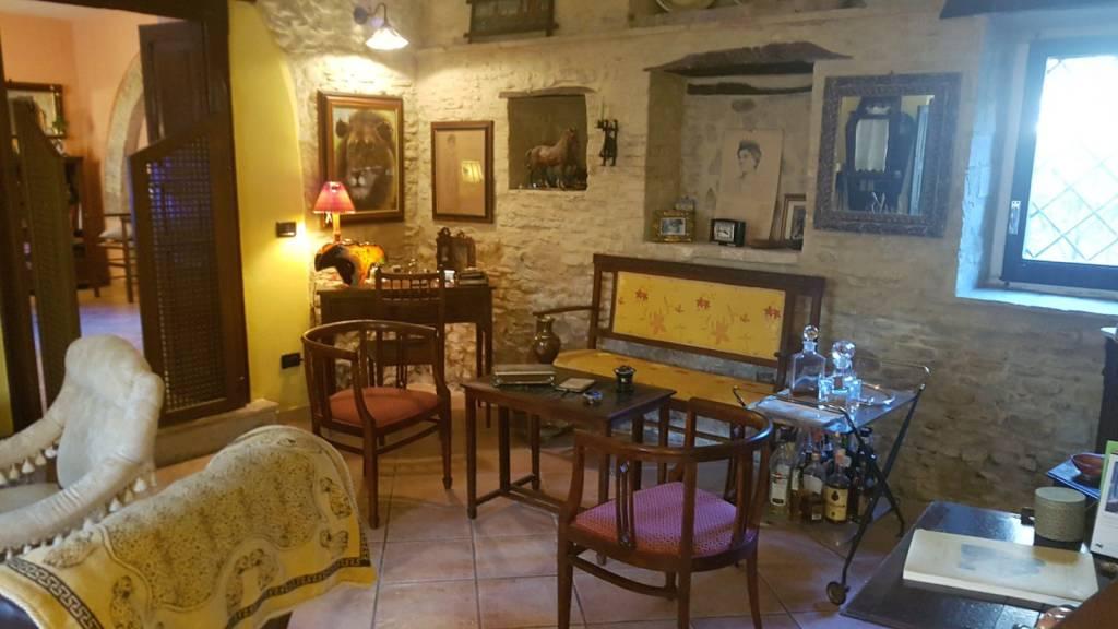 Rustico / Casale in ottime condizioni in vendita Rif. 8283378