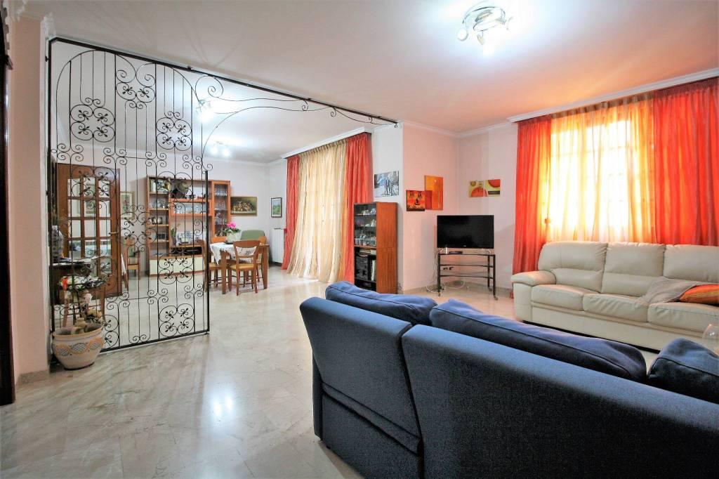 Appartamento da ristrutturare in vendita Rif. 8285507