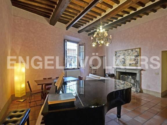 Appartamento in ottime condizioni arredato in vendita Rif. 8288311