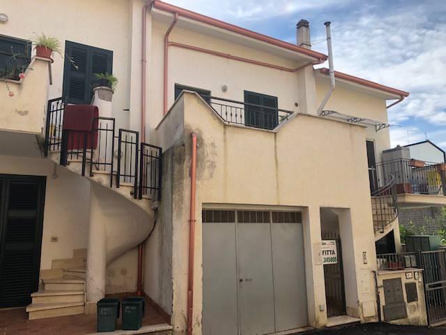 Marcellina appartamento bilivello € 450 mensili