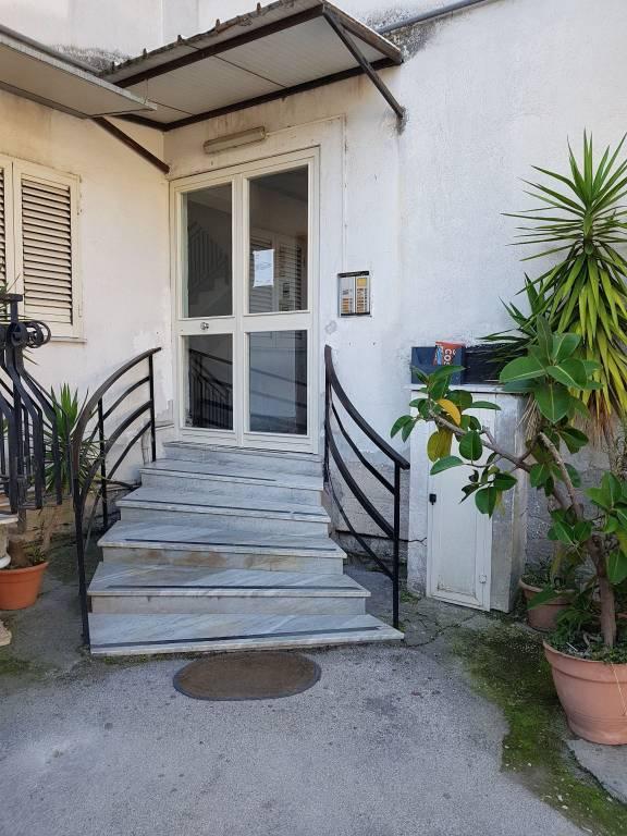 Appartamento in buone condizioni in vendita Rif. 8520535