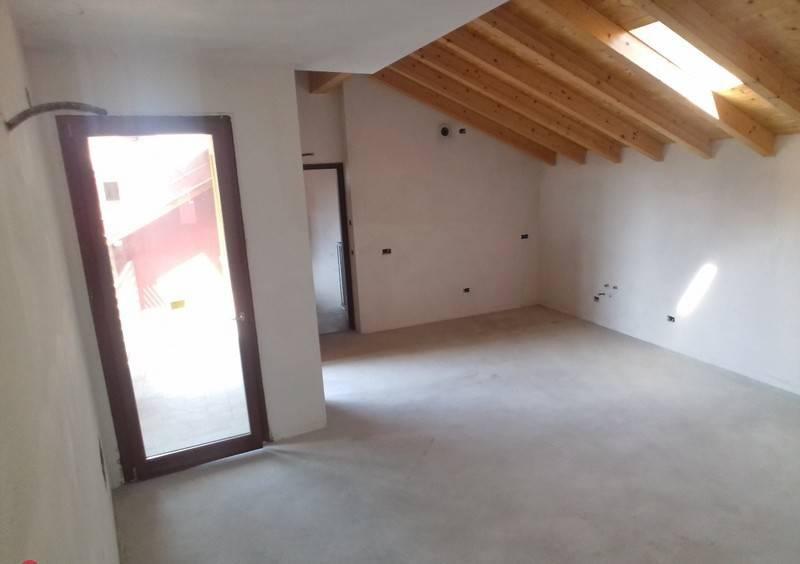 Appartamento in ottime condizioni in vendita Rif. 8426024