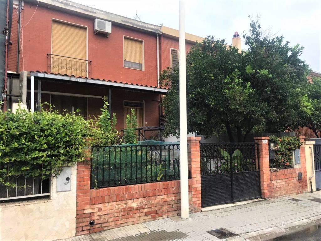 Villetta a schiera da ristrutturare in vendita Rif. 8284766