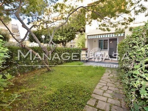 Appartamento in buone condizioni arredato in vendita Rif. 8285773