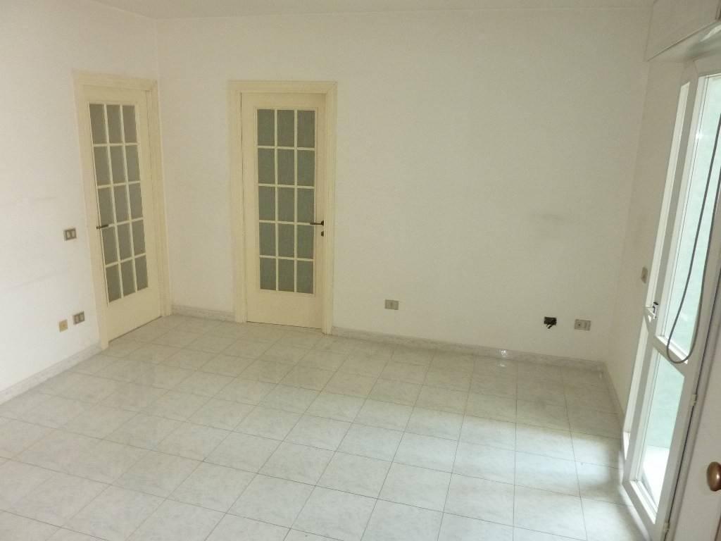 Appartamento in buone condizioni in vendita Rif. 8284311