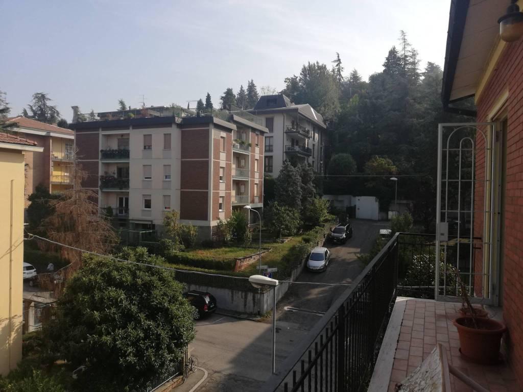 Appartamento in buone condizioni arredato in affitto Rif. 8232653