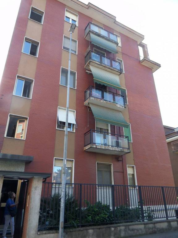 Appartamento da ristrutturare in vendita Rif. 8283651