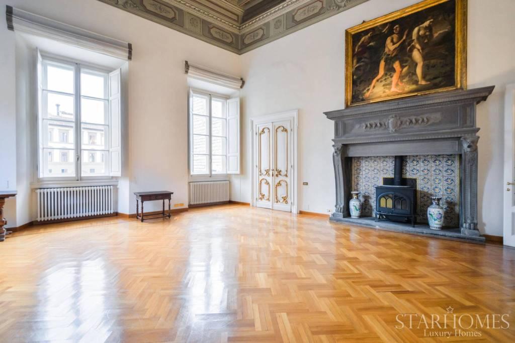 Appartamento in ottime condizioni in vendita Rif. 8289548