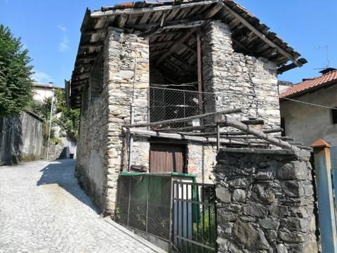 Rustico / Casale da ristrutturare in vendita Rif. 8282948