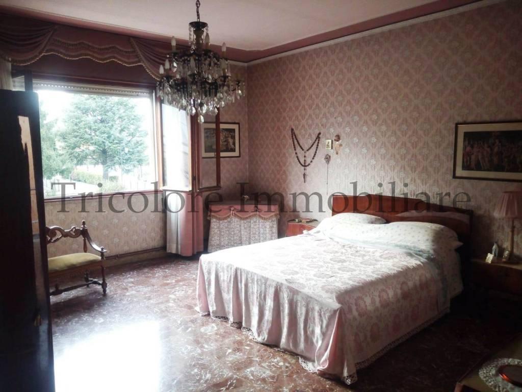 Appartamento in buone condizioni parzialmente arredato in vendita Rif. 8286898