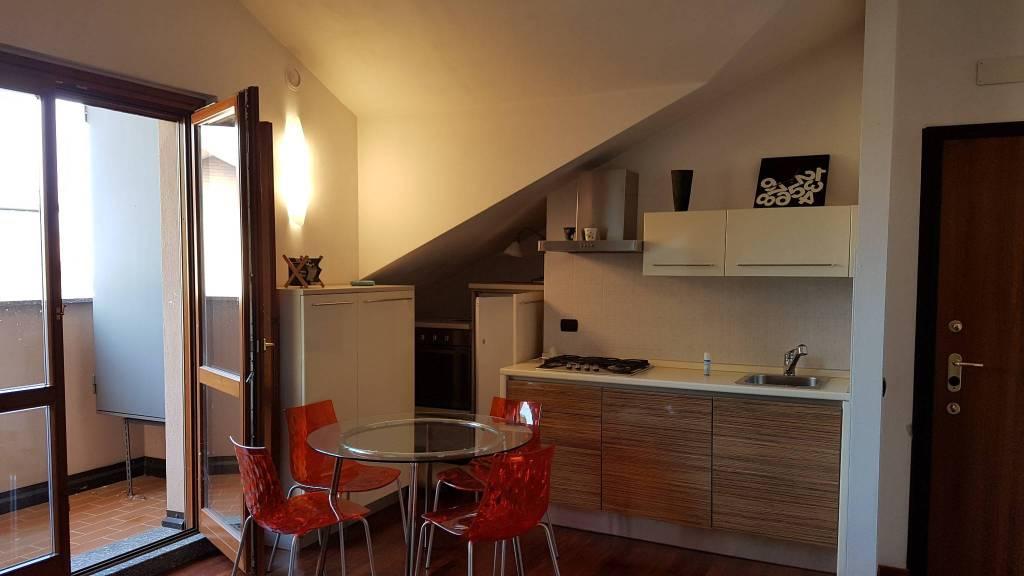 Appartamento in ottime condizioni arredato in vendita Rif. 8282911