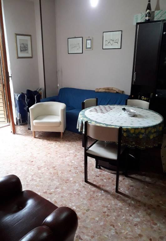 Appartamento in buone condizioni parzialmente arredato in vendita Rif. 8284163