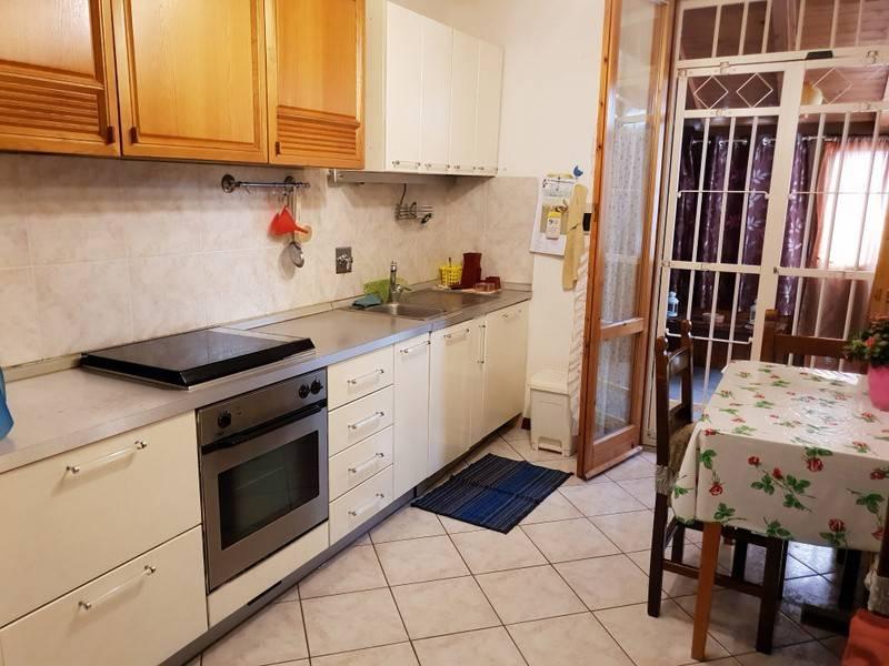 Appartamento in buone condizioni arredato in affitto Rif. 8284689