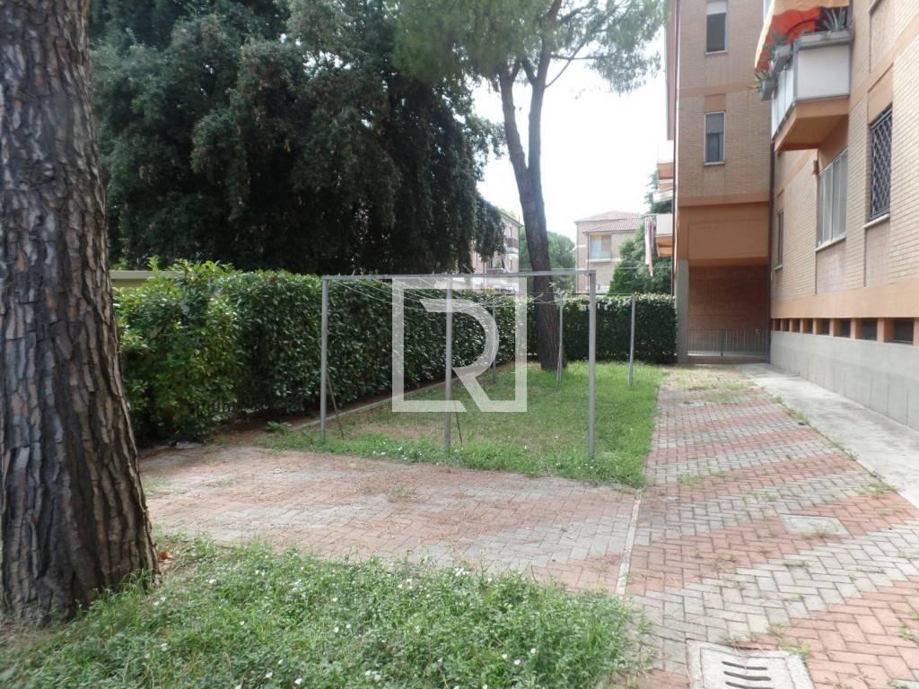 Appartamento in ottime condizioni parzialmente arredato in vendita Rif. 8414518