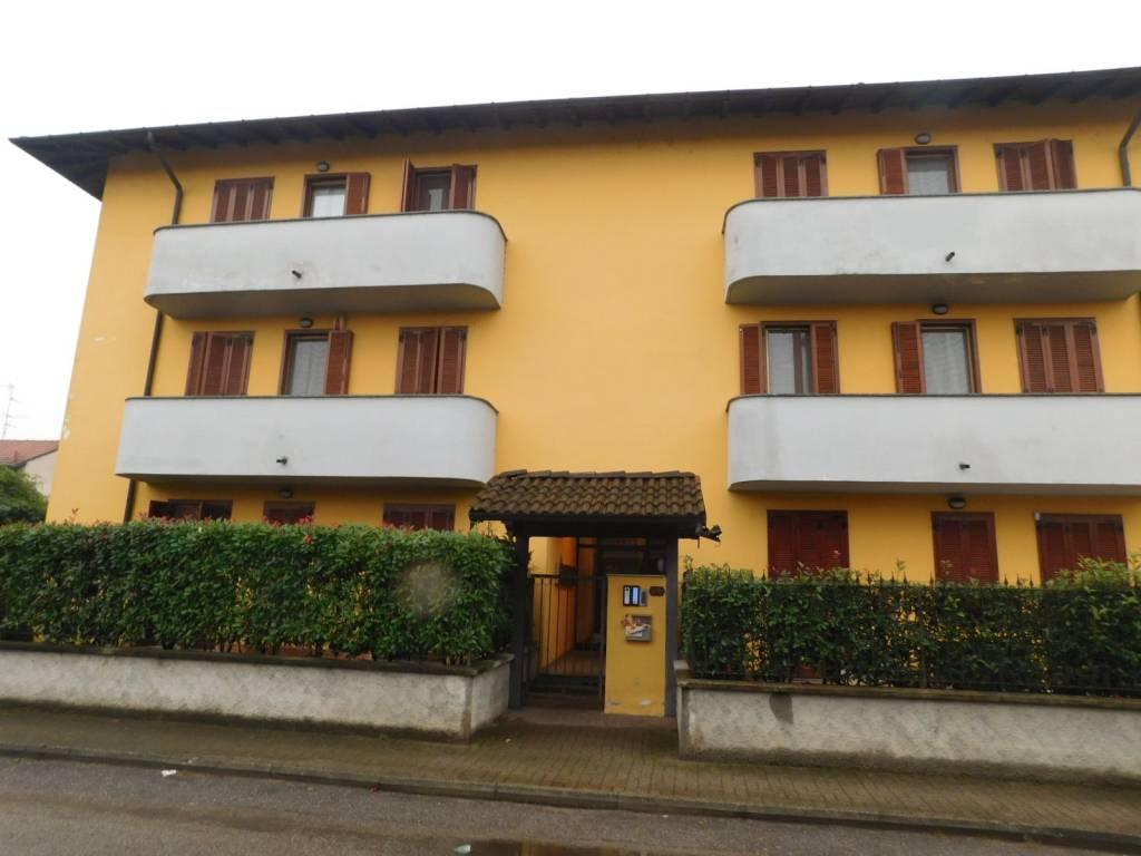 Appartamento in ottime condizioni in vendita Rif. 8296552