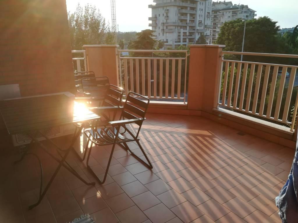 Appartamento in ottime condizioni arredato in affitto Rif. 7506064